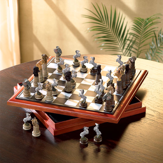 AFRICAN ANIMAL CHESS SET